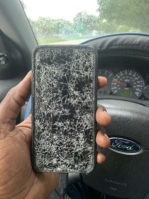 iPhone X (cracked screen) for Sale in Sunrise, FL