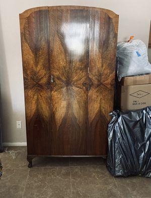 Antique English armoire for Sale in Menifee, CA