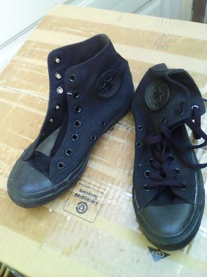 Converse All Star Chuck Taylor mid tops black men's size 6 women's size 8 nice for Sale in Hawthorne, CA