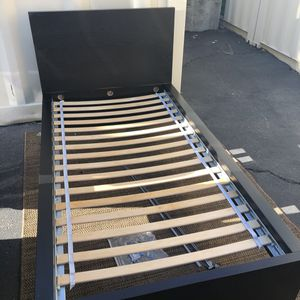 IKEA malm twin bed frame for Sale in Spring Valley, CA