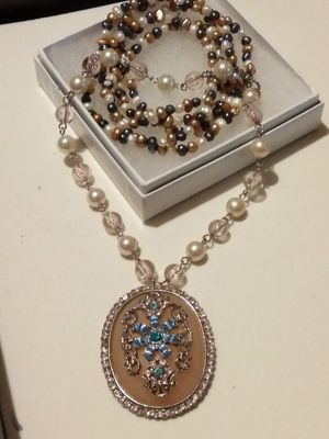 Real pearl bracelet with vintage necklace for Sale in Fort Worth, TX