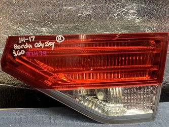 2014 2015 2016 2017 Honda Odyssey taillight tail light for Sale in Rancho Cucamonga,  CA