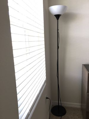 Floor lamp for Sale in Wimauma, FL