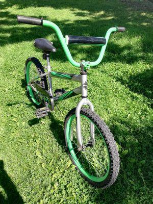 Bicicleta semi nueva for Sale in Wenatchee, WA
