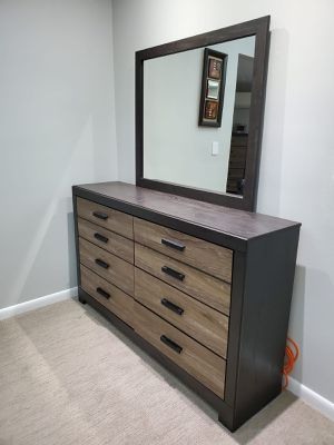 3 pieces bedroom furnitures for Sale in New Rochelle, NY