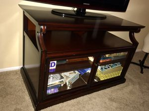 Bombay Co. TV Stand Unit for Sale in Fountain Valley, CA