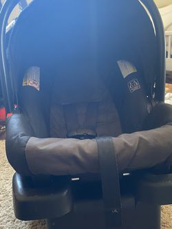 Infant Carseat for Sale in Irving,  TX