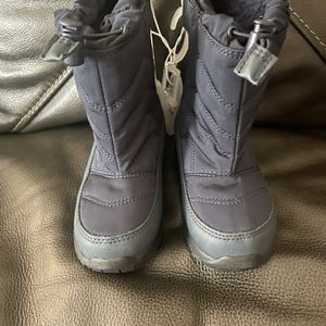 Snow Boots Size 10 Toddler for Sale in Downey, CA