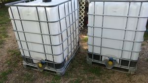 330 Gallon Containers Never Used for Sale in Kaufman, TX
