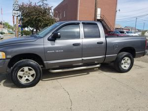 2004 dodge ram 4wd hemi for Sale in Somerset, OH