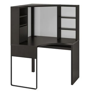 Black desk with chair for Sale in Austin, TX