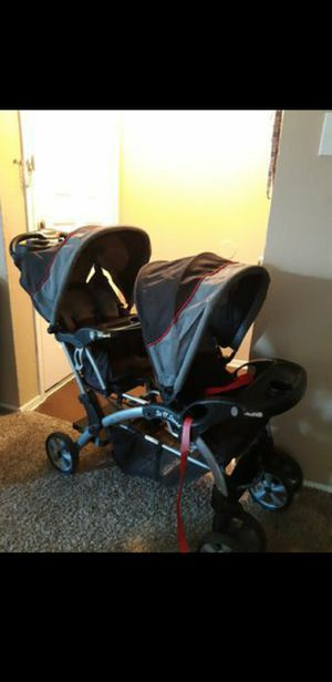 Carreola doble/ Double stroller for Sale in Irving, TX