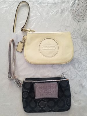 2 coach wristlets for Sale in Brooklyn, NY