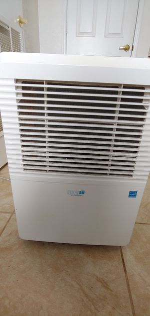 Ideal air 70 pint dehumidifier for Sale in Los Angeles, CA