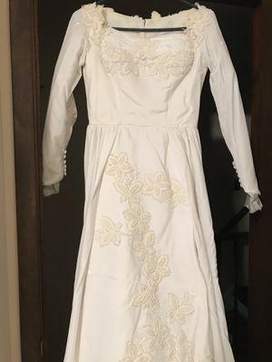 Vintage velvet wedding dress for Sale in Smithtown, NY
