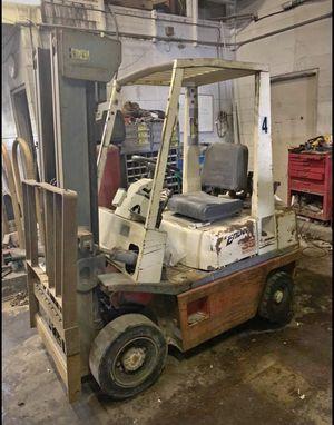 Nissan 35 Pneumatic Forklift for Sale in Henderson, NE