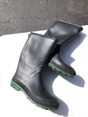 Boots Rubber Size 8 for Sale in Manassas, VA
