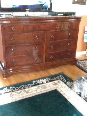 Very nice sturdy dresser for Sale in Edgewood, WA