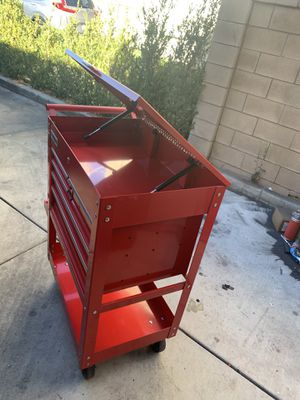 US general tool box 5 drawer cart. $115 OBO (1 month old ) for Sale in Montclair, CA