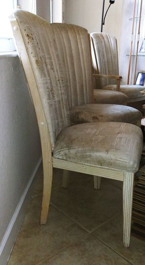 Dining chairs free for Sale in Miami, FL