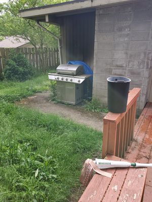 Free BBQ grill with propane for Sale in Bellevue, WA