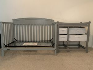 Toddler bed & changing table/dresser for Sale in Mesa, AZ