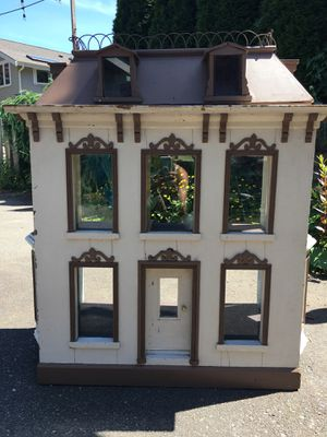 Antique Doll House and furniture for Sale in Seattle, WA