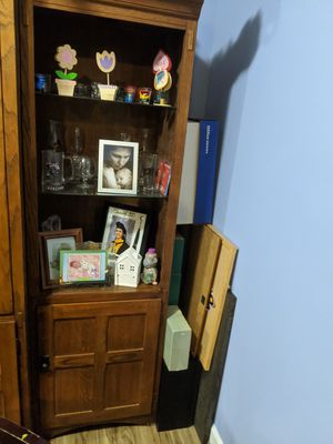 Entertainment cabinet with two side units for Sale in Montgomery Village, MD
