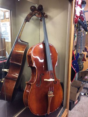Cello Vienna Strings with hard case LOW PRICE!!!! for Sale in Fresno, CA