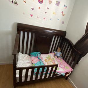 Crib,Toodler Bed for Sale in Garden Grove, CA