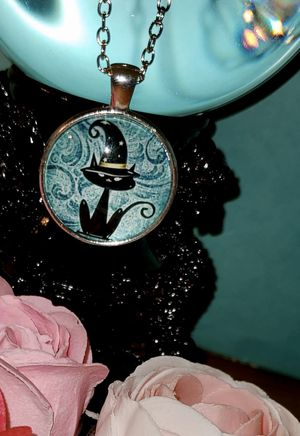 NWT Black Cat Pendant & Necklace for Sale in Ripley, WV