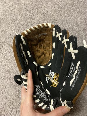 Kids 10.5 inch Rawlings Baseball Glove for Sale in St. Louis, MO