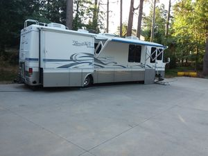 Diesel Rexhall 36 ft. Double slide for Sale in Lake Arrowhead, CA