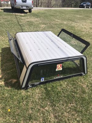 CAMPER SHELL (came off 2007 NISSAN Frontier) for Sale in Max Meadows, VA