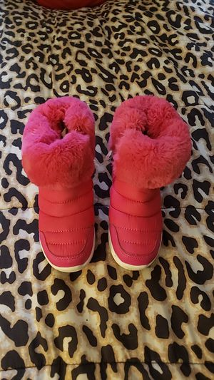 Youth Girl Snow boots for Sale in Butler, PA