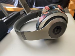 Beats Studio wireless 3 for Sale in Los Angeles, CA