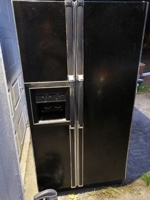 Free stove, microwave and fridge for Sale in Aberdeen, WA