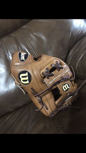 Wilson a2000 baseball glove for Sale in Zephyrhills, FL