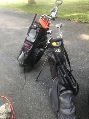 Golf. Nice cart bag. Pull cart and lefty clubs. Putters. 2 bags. for Sale in Leicester, MA