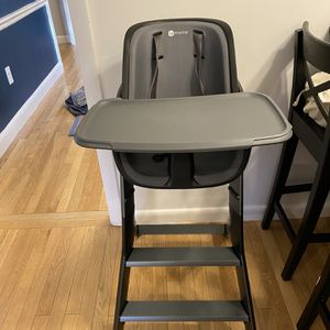 4 Moms High Chair for Sale in Milton, MA