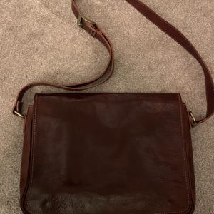 Genuine Leather Messenger Laptop Bag for Sale in Vancouver, WA