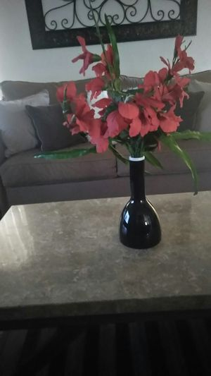Artificial flowers and ceramic Vase for Sale in Fresno, CA
