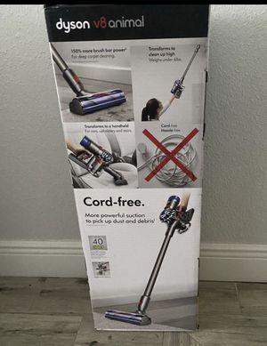 Dyson V8 vacuum cordless for Sale in Orlando, FL