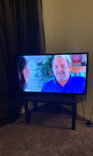 40 inch real thin flat screen insignia! Perfect condition no scratches, pet free, smoke free, bug free home! Not a smart just upgraded 120 $ firm tv for Sale in Fresno, CA