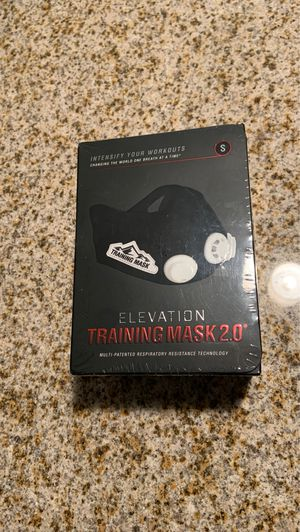 Elevation Training mask 2.0 (small) & signed football card given by Deon Bush for Sale in Miami, FL