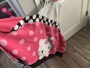 Hello a Kitty large Toddler Girl Towel for Sale in Aurora, CO