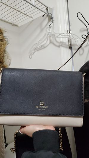Kate Spade Side Bag for Sale in Schaumburg, IL