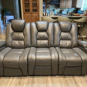 4 Months New Genuine leather sofa and loveseat/4 recliners for Sale in Jamul, CA