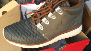 NIKE ROSHE RUN SNEAKERBOOT QS. CHEAP!! for Sale in Las Vegas, NV