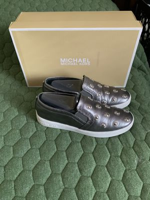 Women's Used Michael Kors Size 7 1/2 for Sale in The Bronx, NY